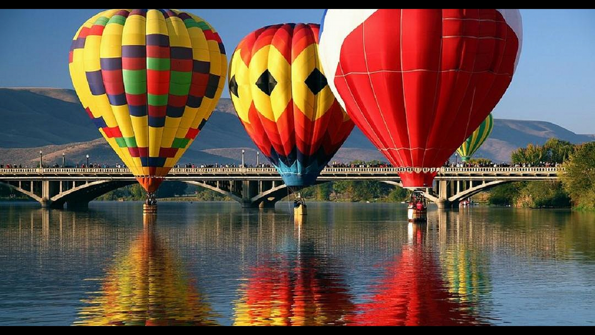 Free Wallpaper Fall Colours Hot Air Balloon Full Hd Wallpaper And Background Image