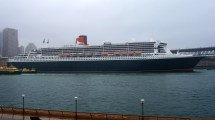 Rms Queen Mary 2 In Sydney Harbour Hd Wallpaper