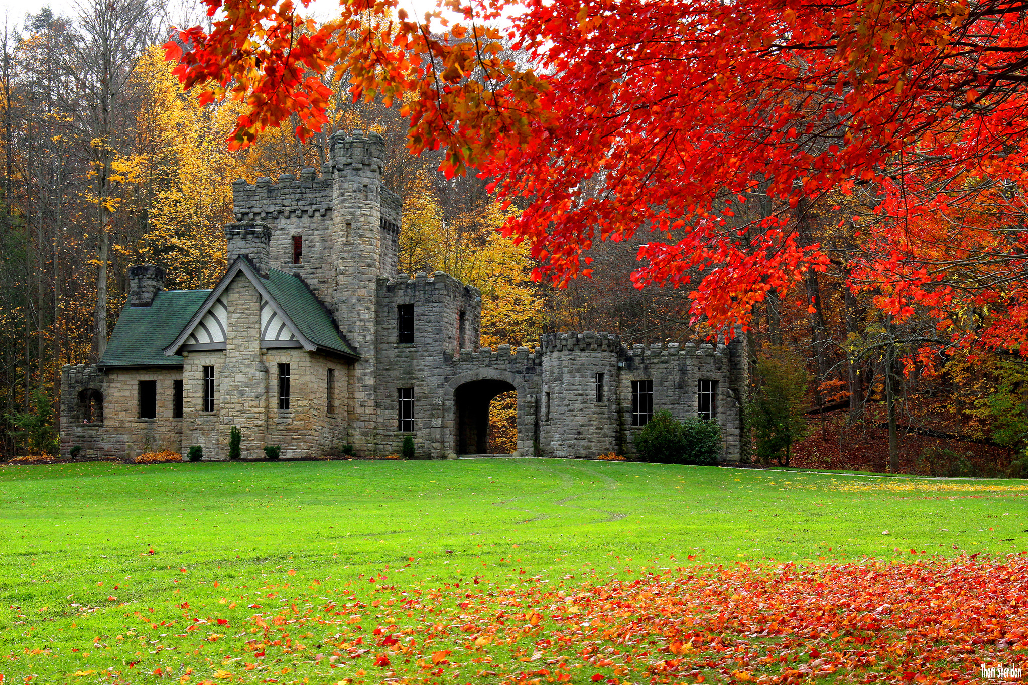 Fall Foliage Wallpaper Widescreen Castle In Autumn Hd Wallpaper Background Image