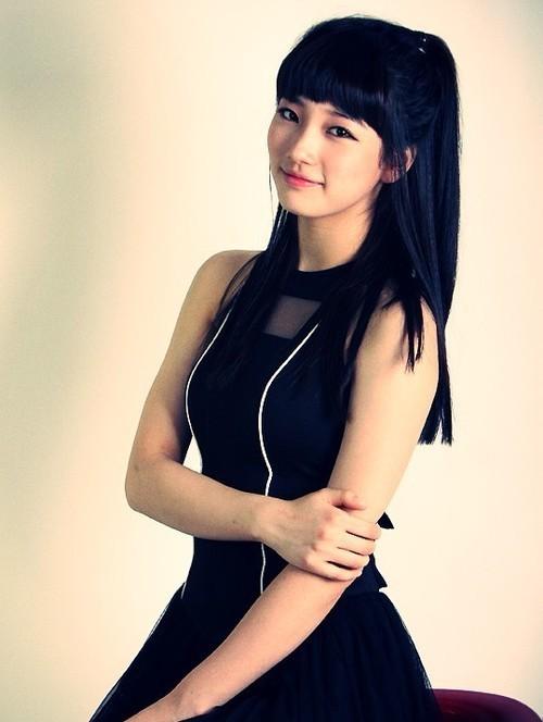 https://i0.wp.com/images4.fanpop.com/image/photos/15000000/suzy-miss-a-15060311-500-664.jpg