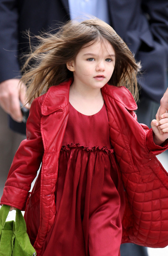 https://i0.wp.com/images4.fanpop.com/image/photos/15700000/Suri-Cruise-perfect-Renesmee-renesmee-carlie-cullen-15739283-575-874.jpg