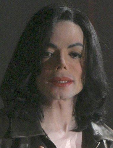https://i0.wp.com/images4.fanpop.com/image/photos/16300000/Michael-michael-jackson-16381205-382-500.jpg