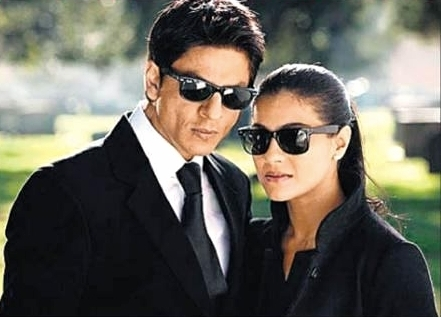 Simran Name Cute Wallpaper Shahrukh Khan Amp Kajol Shahrukh Khan Amp Kajol Photo
