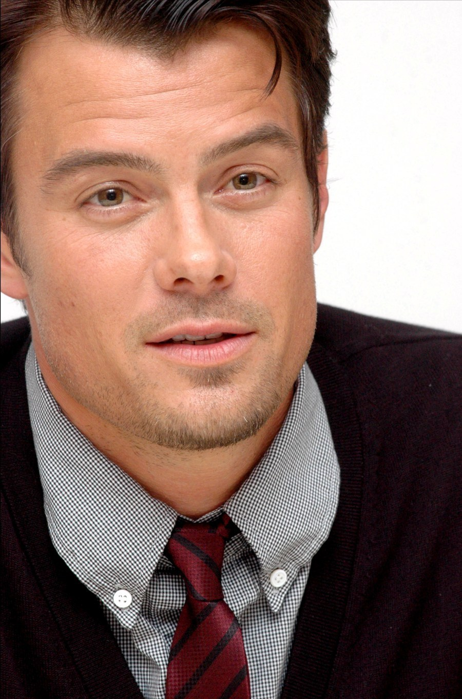 https://i0.wp.com/images4.fanpop.com/image/photos/19100000/Josh-Duhamel-photo-HQ-josh-duhamel-19189489-900-1360.jpg