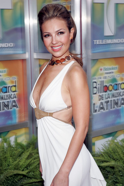 https://i0.wp.com/images4.fanpop.com/image/photos/20400000/Billboard-Latin-Music-Awards-28-04-2005-thalia-20436166-396-594.jpg