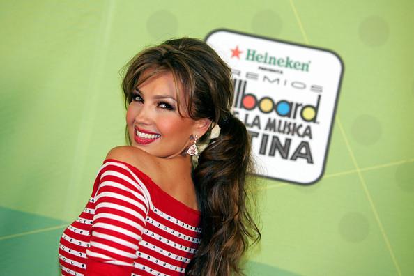 https://i0.wp.com/images4.fanpop.com/image/photos/20400000/Billboard-Latin-Music-Awards-Pressroom-28-04-2005-thalia-20436225-594-396.jpg