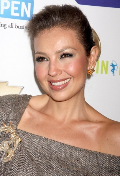 https://i0.wp.com/images4.fanpop.com/image/photos/20400000/Lucky-Magazine-Hosts-5th-Annual-Lucky-Shops-thalia-20436350-407-594.jpg