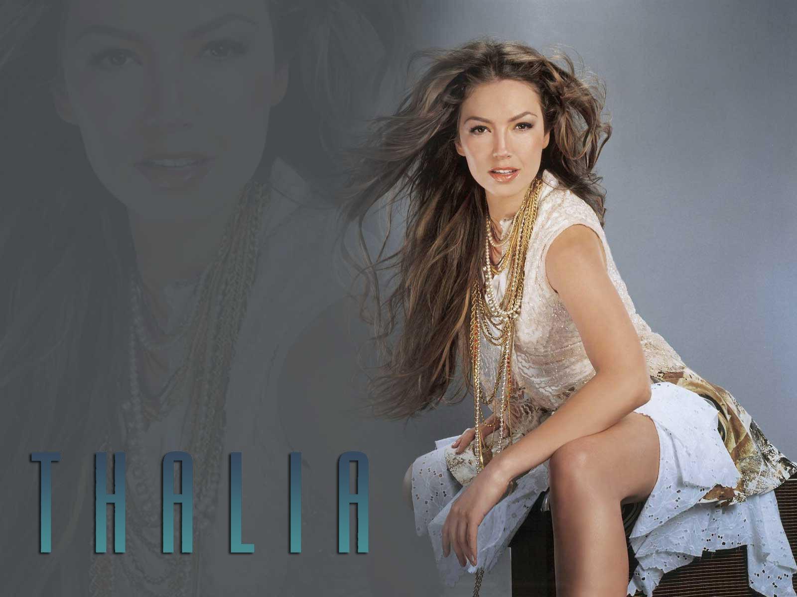 https://i0.wp.com/images4.fanpop.com/image/photos/20700000/Thalia-thalia-20736504-1600-1200.jpg
