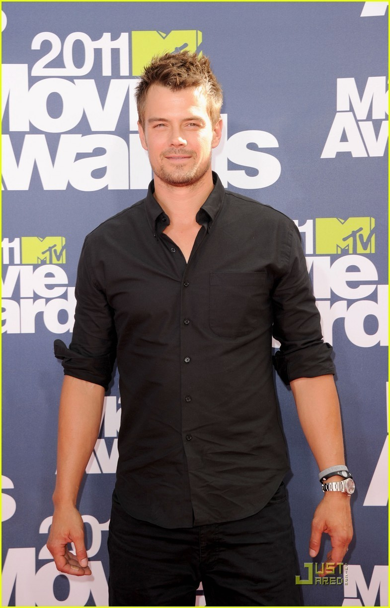 Josh Duhamel & Shia LaBeouf: MTV Movie Awards Presenters - josh-duhamel photo