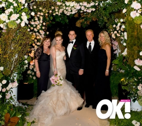 https://i0.wp.com/images4.fanpop.com/image/photos/22700000/Hilary-Duff-Mike-Comrie-Wedding-hilary-duff-and-mike-comrie-22770001-490-435.jpg