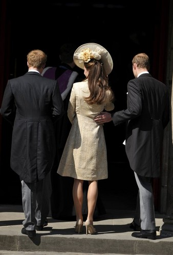 Prince William images Royal wedding of Zara Phillips and ...