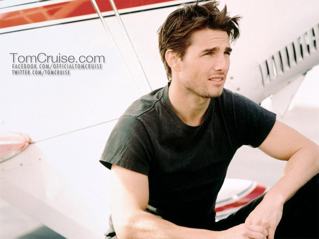 Tom Cruise.......... - tom-cruise wallpaper