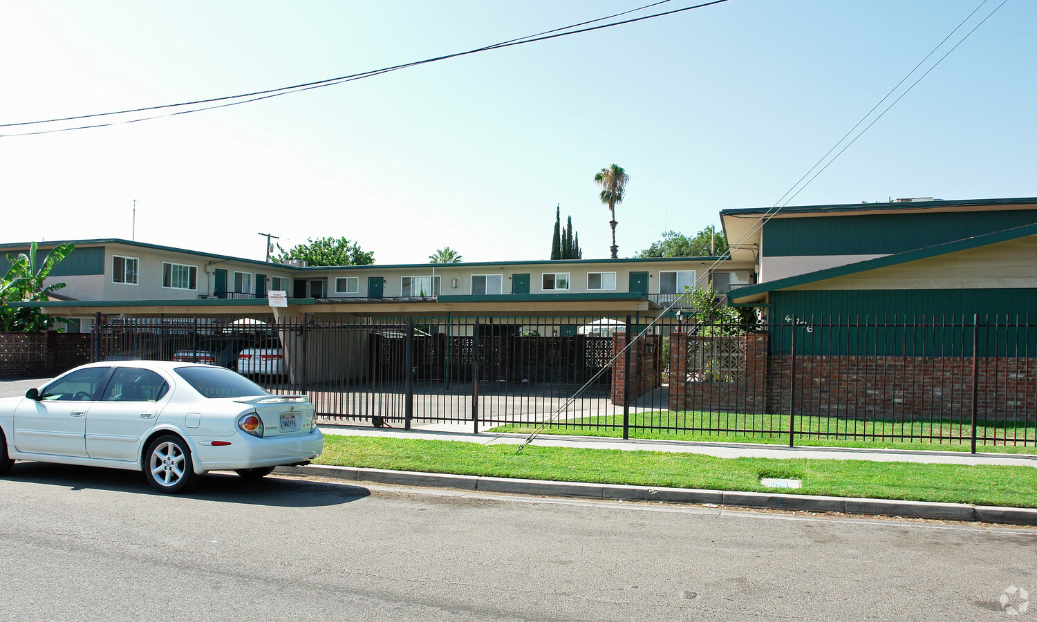 4776 E Clay Ave Fresno CA 93702 Apartments Property
