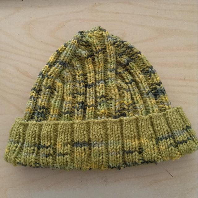 Bonnet issu du patron gratuit de tricot jean jaques cousteau