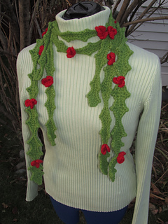 Christmas_holly_leaf_scarf_photo_3_small2