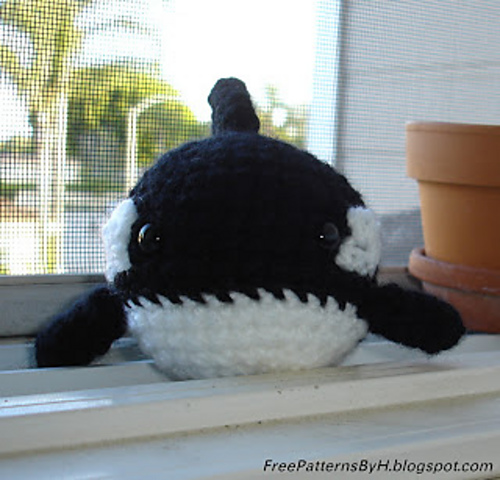 Orca killer whale crochet pattern
