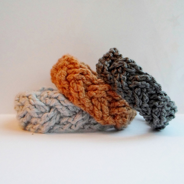 A la Sascha | FREE Cabled Crochet Bracelet