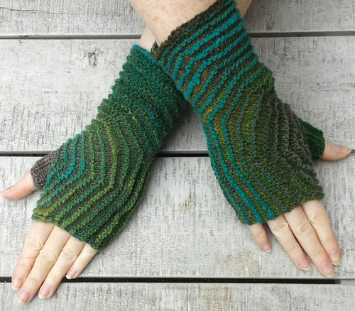 Hexagon Fingerless Mitts