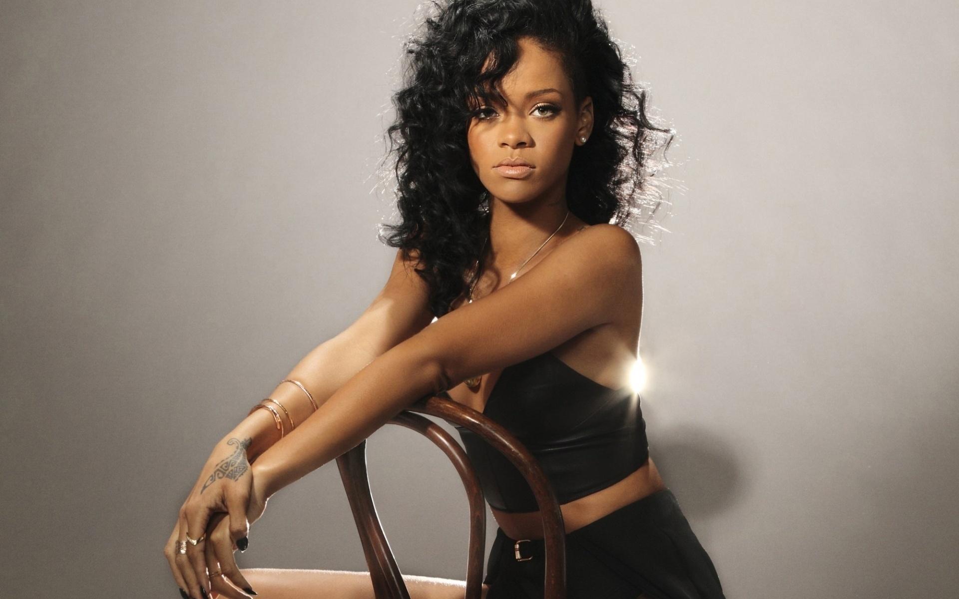 Caribbean Iphone Wallpaper Rihanna Hd Wallpaper Background Image 1920x1200 Id
