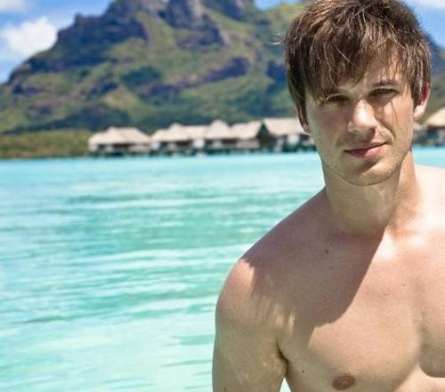 https://i0.wp.com/images5.fanpop.com/image/photos/28200000/Matt-Lanter-matt-lanter-28200829-500-441.jpg