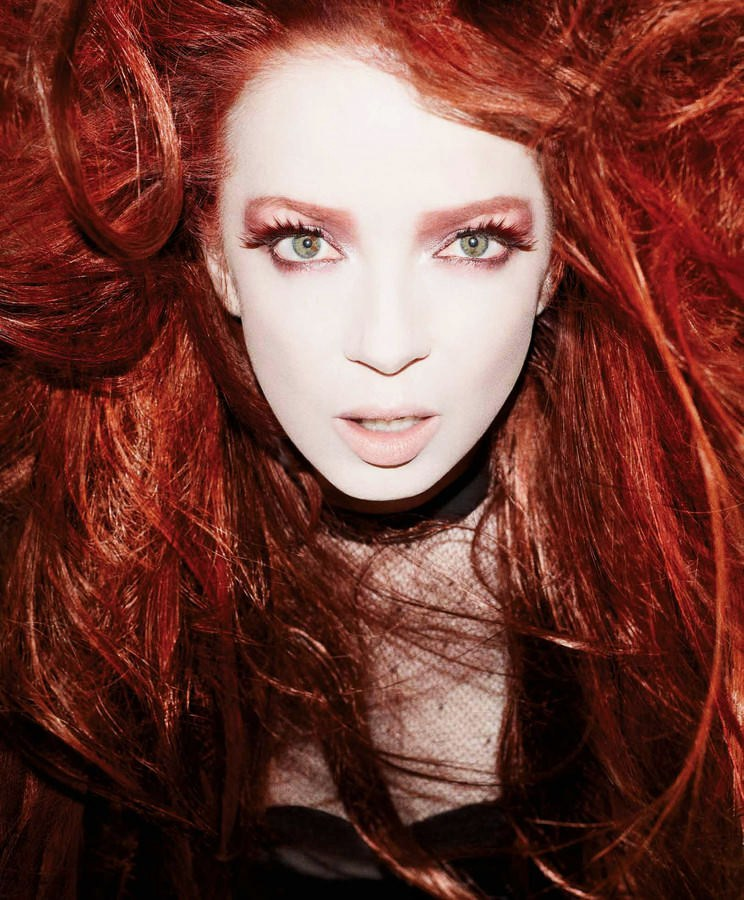 https://i0.wp.com/images5.fanpop.com/image/photos/29300000/Shirley-Manson-2012-garbage-29366851-744-900.jpg