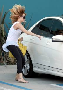 Miley Cyrus Barefoot