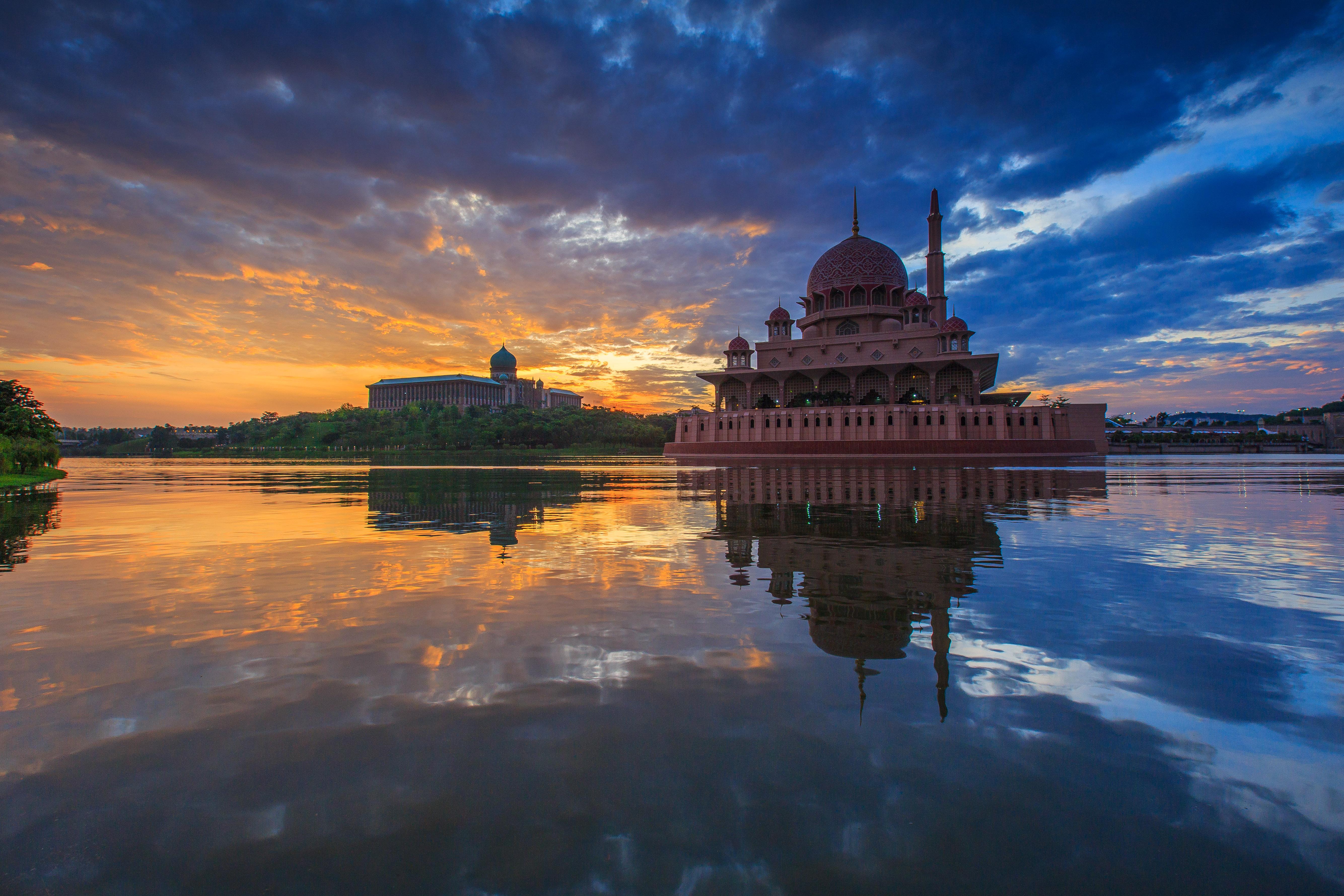 Putra Mosque 5k Retina Ultra HD Wallpaper and Background