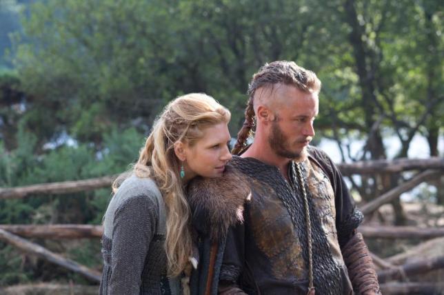 Ragnar ve Lagertha ile ilgili görsel sonucu