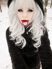 ira vampira emo girl scene