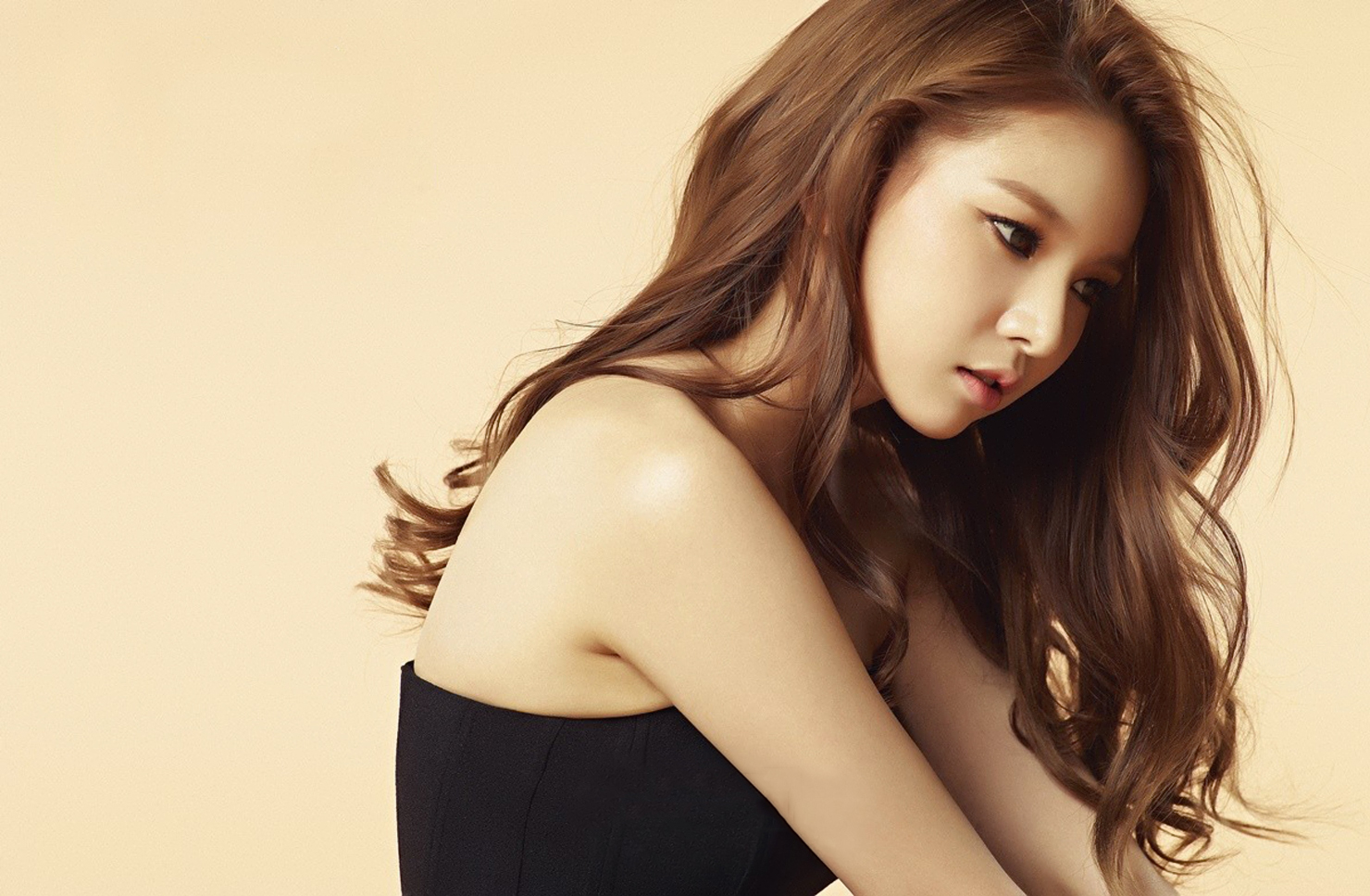 https://i0.wp.com/images6.fanpop.com/image/photos/38100000/Fiestar-s-Jei-for-HIM-Magazine-March-2015-fiestar-38186457-1480-968.jpg