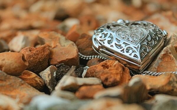 Jewelry Hearts Desktop Backgrounds
