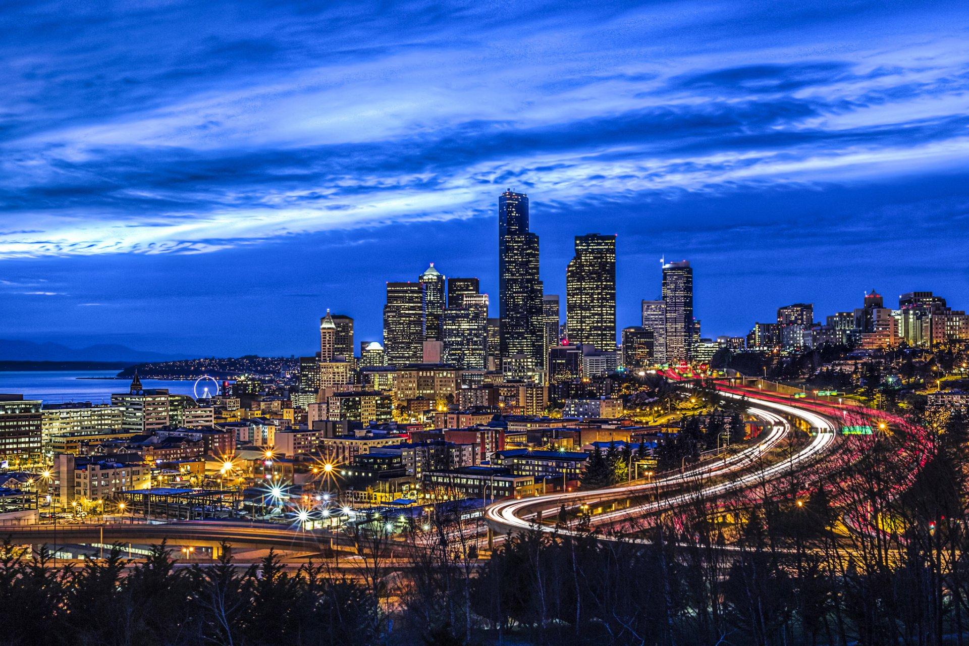 Seattle Washington Fall Skyline Wallpaper Seattle Cityscape At Dusk Hd Wallpaper Background Image