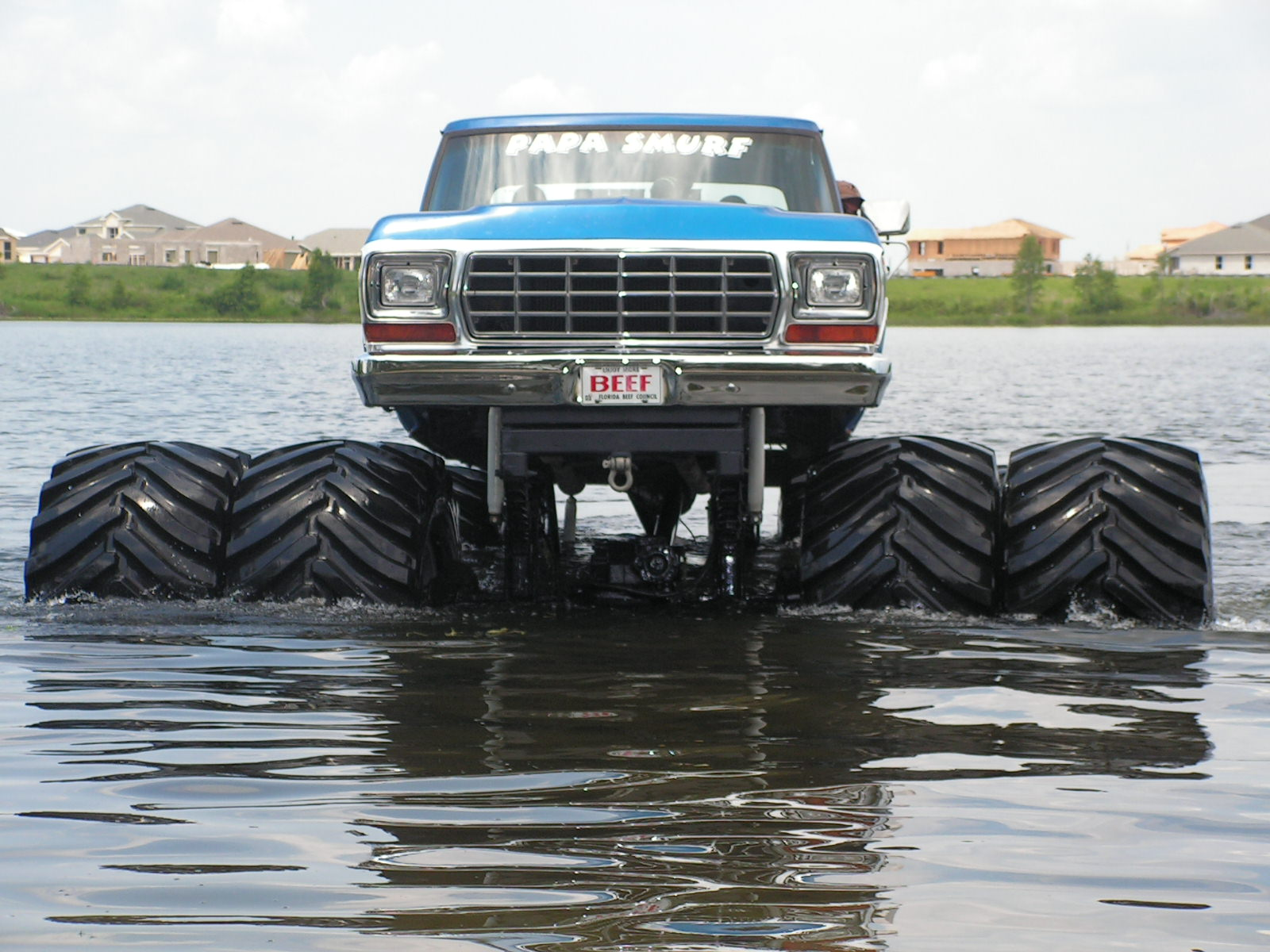 Lifted Truck Iphone Wallpaper Papa Smurf Wallpaper And Background Image 1600x1200 Id