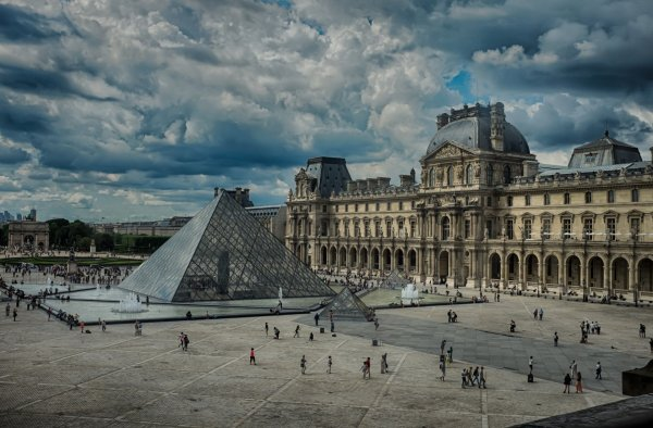 Louvre Paris Desktop Backgrounds