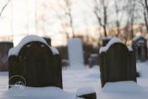 HDR, gravestone
