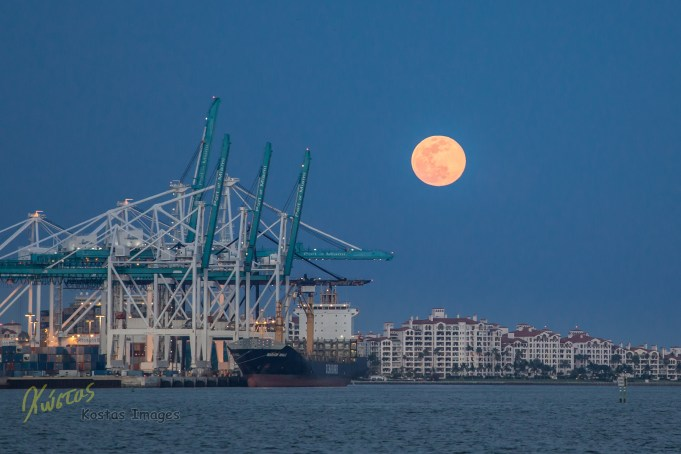 Full Moon view from Miami Downtown