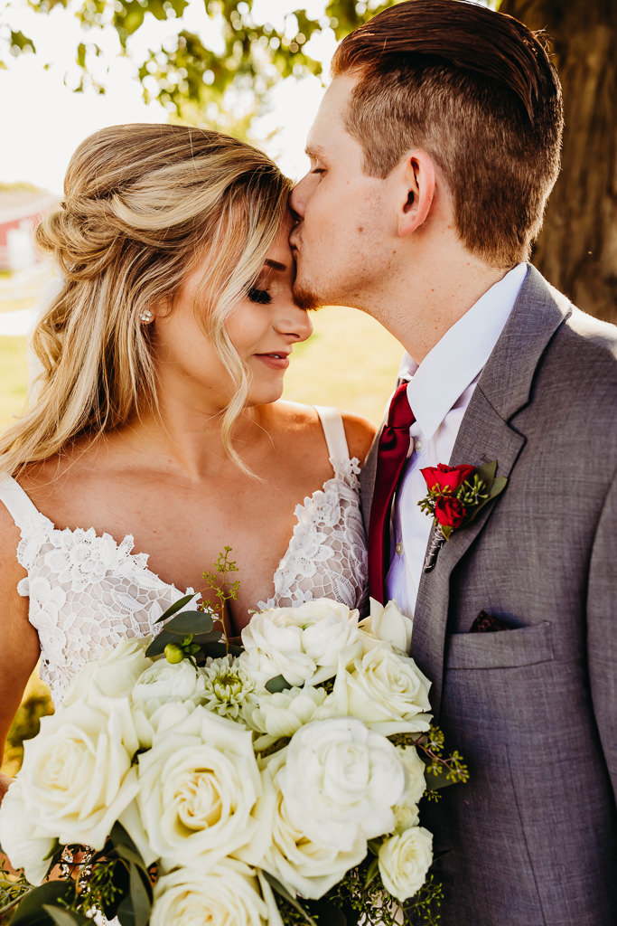 Michigan wedding photography, plymouth orchards wedding, which wedding vendors should i hire first