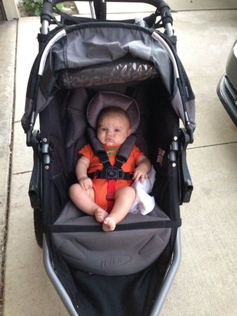 BOB Stroller When can I put baby in without carseat