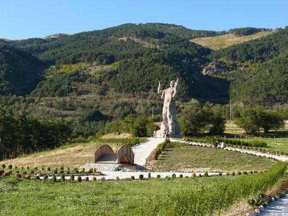паметникът на Боримечката / he monument of Borimechkata
