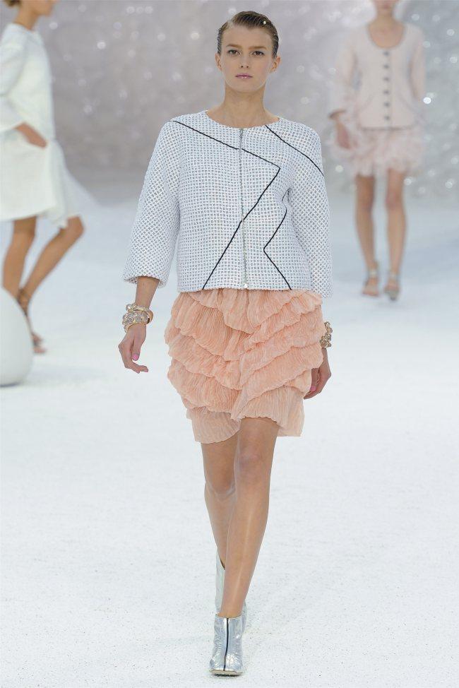 chanel18 Chanel Spring 2012   Paris Fashion Week