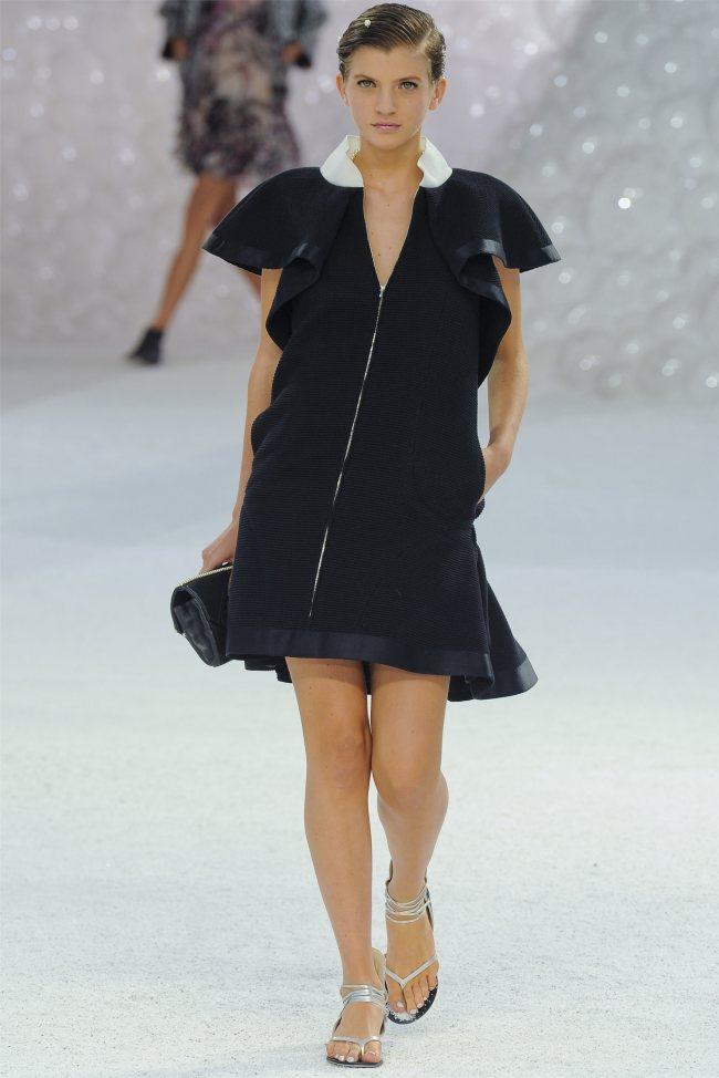 chanel26 Chanel Spring 2012   Paris Fashion Week