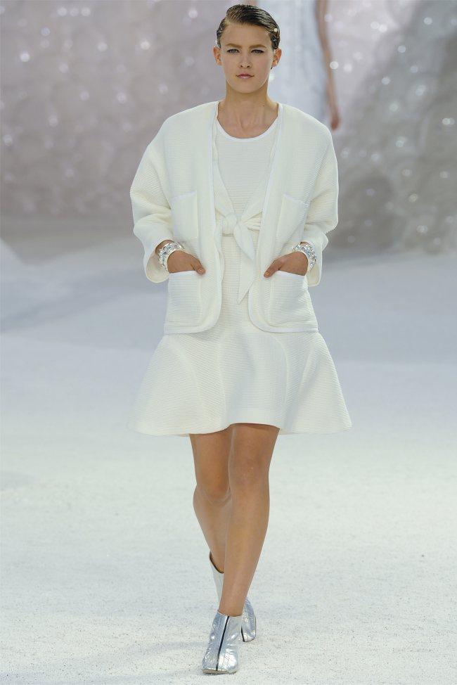chanel37 Chanel Spring 2012   Paris Fashion Week