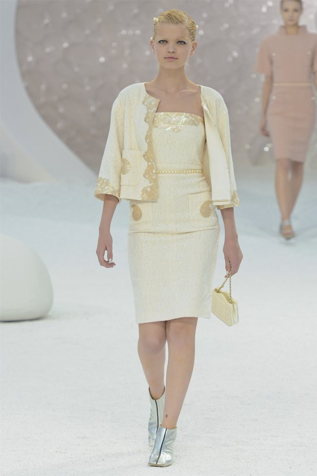 chanel5 Chanel Spring 2012 | Paris Fashion Week