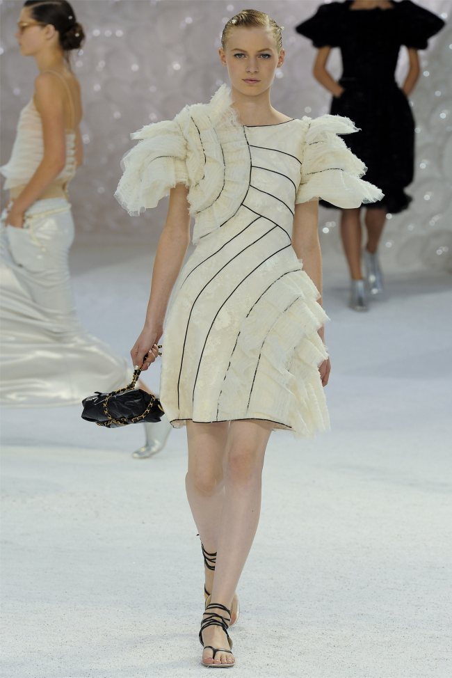 chanel80 Chanel Spring 2012 | Paris Fashion Week