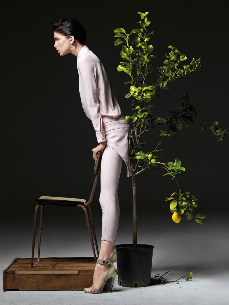 the room4 Liu Wen, Anais Pouliot, Querelle Jansen & Others Keep it Natural for The Room S/S 2012