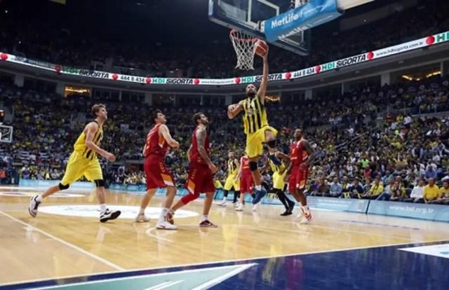 Splendido Gigi Datome nel derby col Galatasaray (Foto: Fenerbahçe)