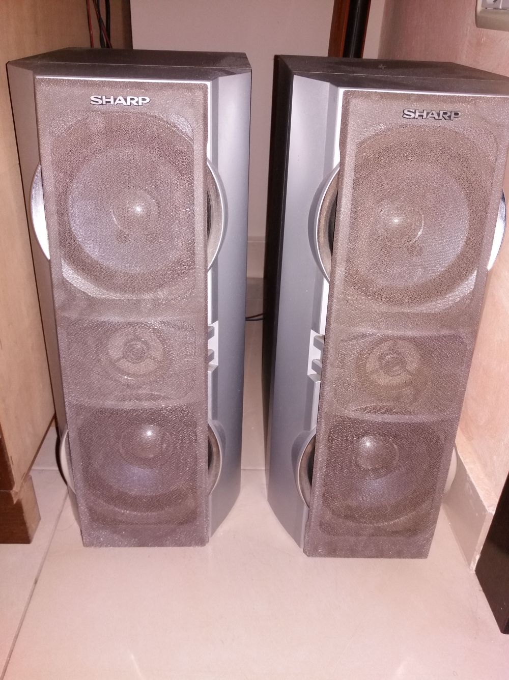 medium resolution of  only use the speakers on my computer because i am on a tight budget and those speakers have high quality sound here are some pictures of the speakers