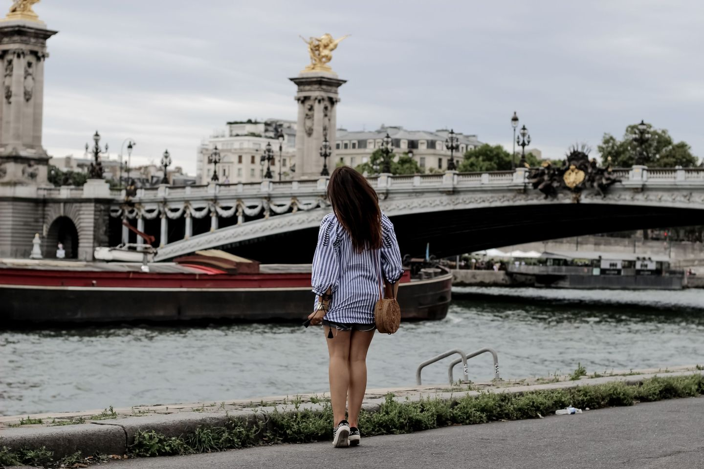 golden goose, pull and bear, basket clous, blouse pompoms, pont alexandre 3, the green ananas, blog mode, shein, sac rotin, sac rond bali, paris, blogueuse mode, fashion blogger, french blogger, rotin