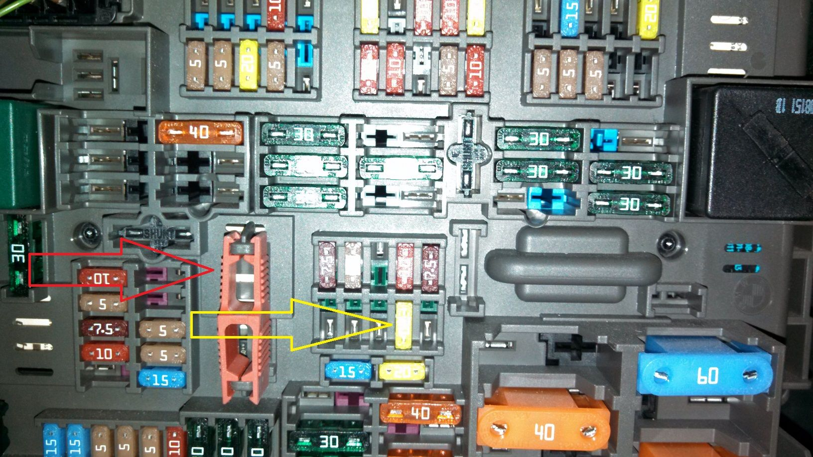 hight resolution of e90 water pump fuse box wiring diagram blogs rh 10 12 2 restaurant freinsheimer hof de bmw 328i fuse box location 2006 325i fuse box location