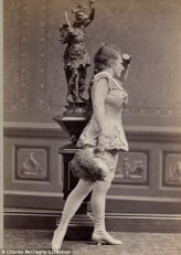 Vintage burlesque photos from the 1890s (2)
